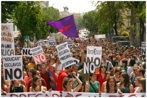 manifestacion_de_estudiantes_contra_el_plan_bolonia_1_